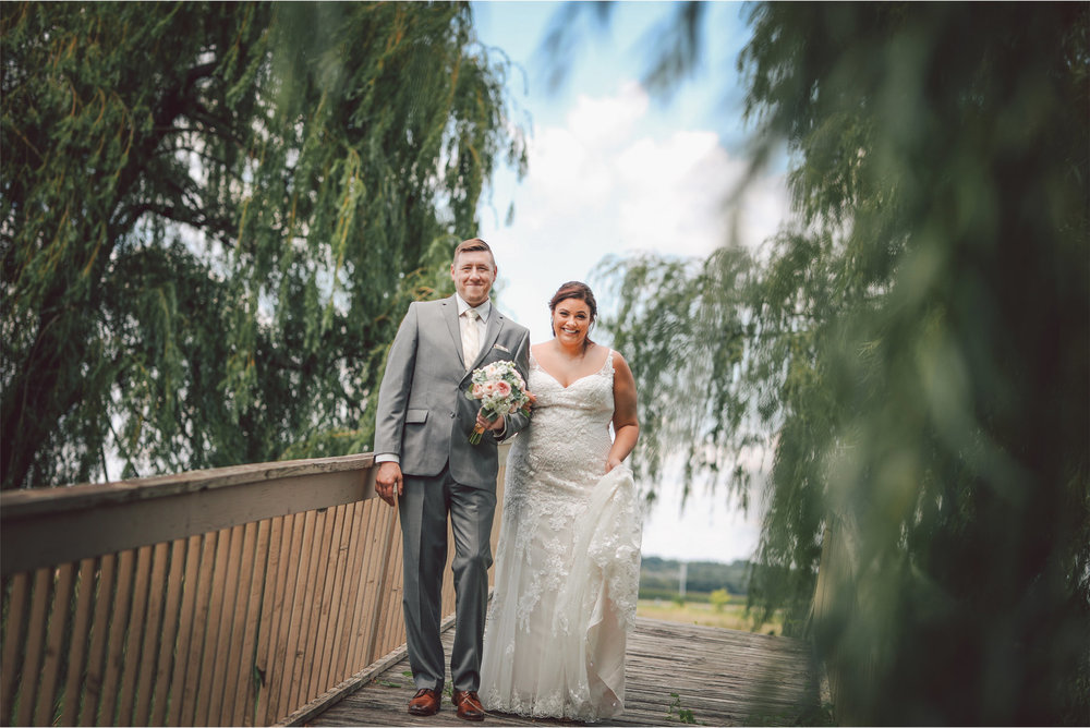 04-Minneapolis-Minnesota-Wedding-Photography-by-Vick-Photography-First-Look-Maliah-and-Brad.jpg