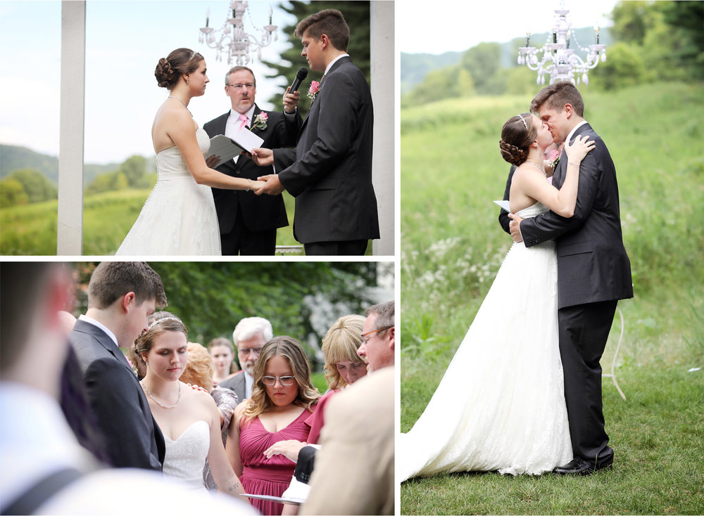 09-Red-Wing-Minnesota-Wedding-Photography-by-Vick-Photography-Round-Barn-Farm-Ceremony-Outside-Outdoor-Nikki-and-Will.jpg