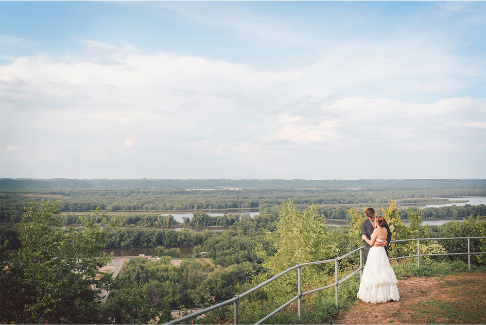 12-Red-Wing-Minnesota-Wedding-Photography-by-Vick-Photography-Round-Barn-Farm-Great-View-Bluffs-Nikki-and-Will.jpg