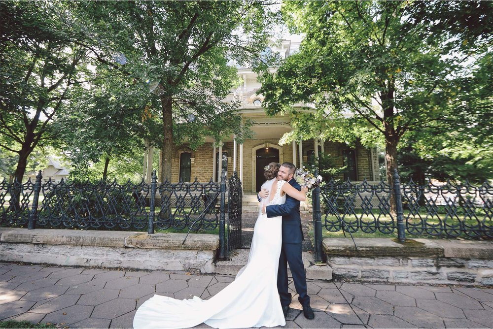 03-Saint-Paul-Wedding-Photographer-by-Vick-Photography-First-Look-Stephanie-and-Peter.jpg