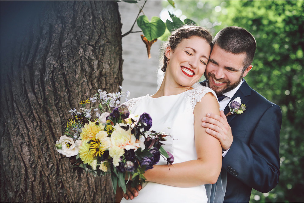 05-Saint-Paul-Wedding-Photographer-by-Vick-Photography-First-Look-Stephanie-and-Peter.jpg