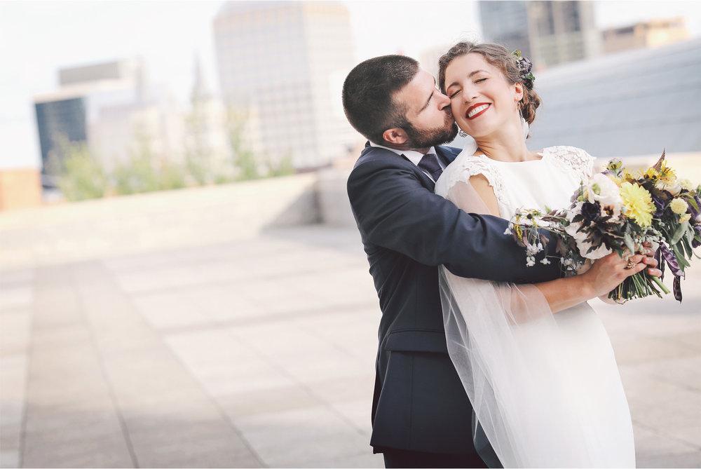 10-Saint-Paul-Wedding-Photographer-by-Vick-Photography-City-Skyline-Stephanie-and-Peter.jpg
