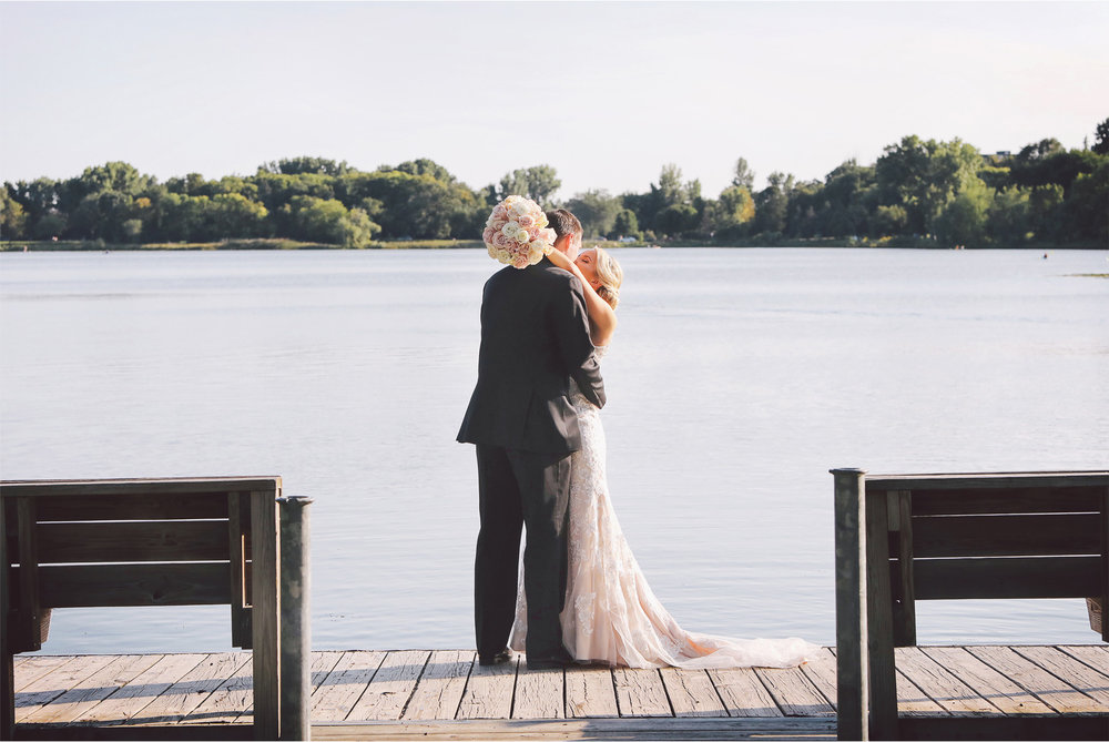 16-Minneapolis-Minnesota-Wedding-Photography-by-Vick-Photography-Lake-of-the-Isles-Jenna-and-Josh.jpg