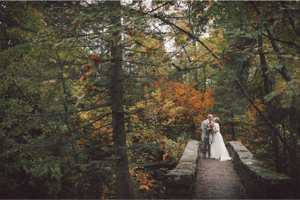 04-Duluth-Minnesota-Wedding-Photography-by-Vick-Photography-Glensheen-Mansion-First-Look-Autumn-Fall-Kelli-and-Marc.jpg