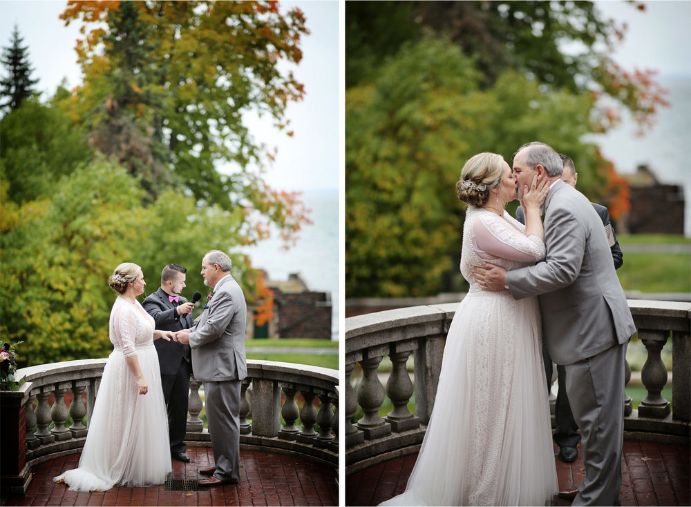 14-Duluth-Minnesota-Wedding-Photography-by-Vick-Photography-Glensheen-Mansion-Outdoor-Ceremony-Rain-Fall-Autumn-Kelli-and-Marc.jpg