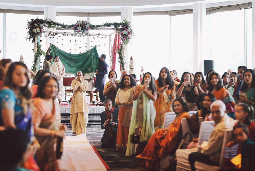 09-St-Paul-Minnesota-Wedding-Photography-by-Vick-Photography-Intercontinental-St-Paul-Riverfront-Traditional-Indian-Ceremony-Leena-and-Michael.jpg