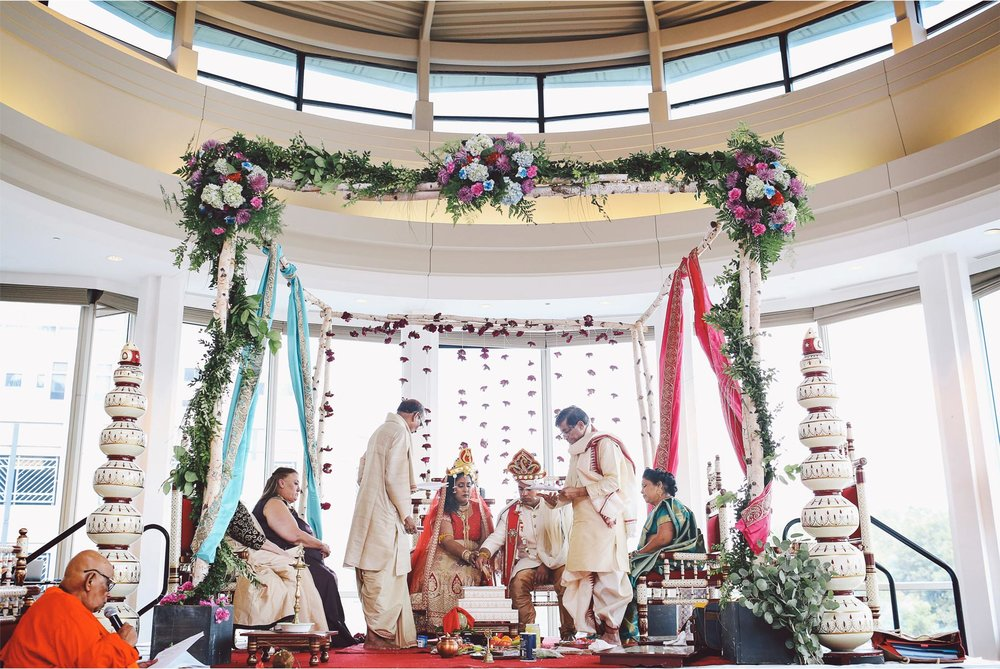 12-St-Paul-Minnesota-Wedding-Photography-by-Vick-Photography-Intercontinental-St-Paul-Riverfront-Traditional-Indian-Ceremony-Leena-and-Michael.jpg