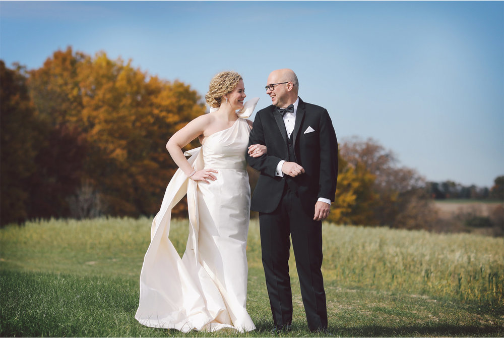 08-Minneapolis-Minnesota-Wedding-Photography-by-Vick-Photography-Bavaria-Downs-First-Look-Jill-and-David.jpg