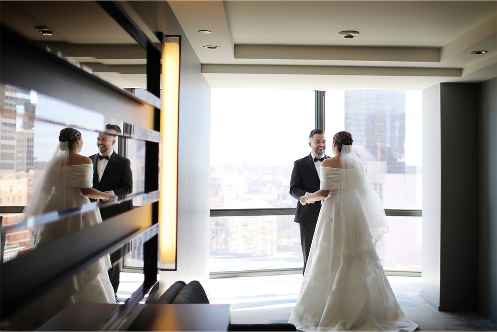 05-Minneapolis-Minnesota-Wedding-Photography-by-Vick-Photography-Loews-Hotel-First-Look-Caitlin-and-Alec.jpg