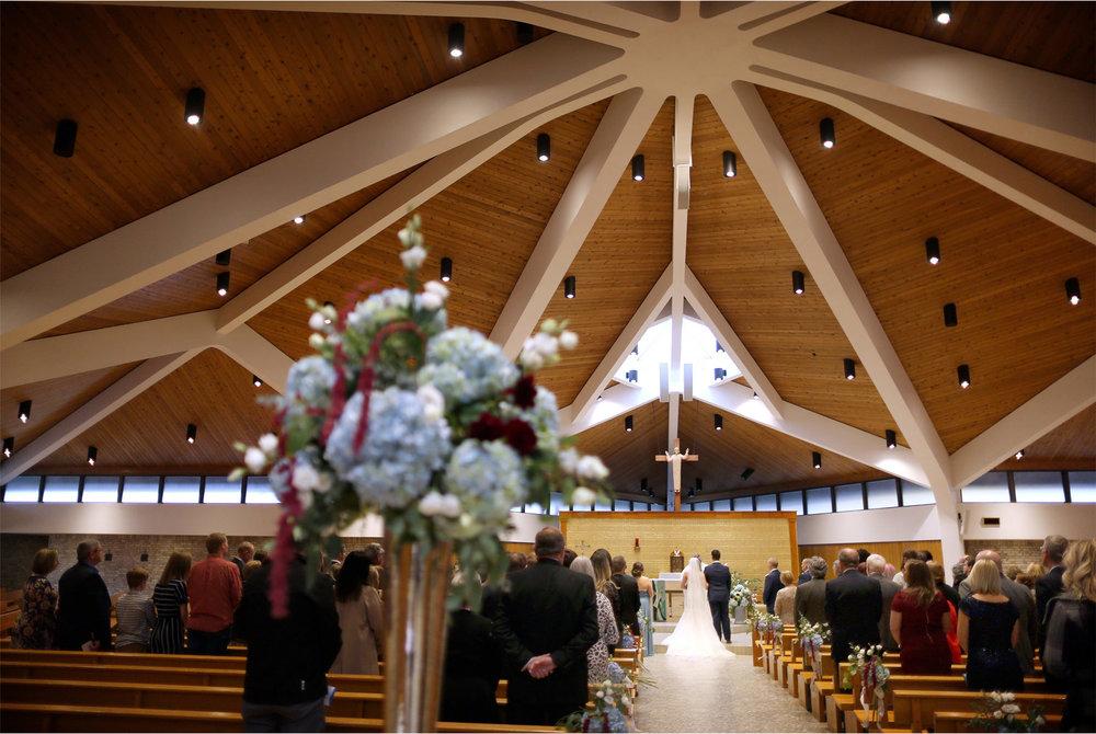 12-Minneapolis-Minnesota-Wedding-Photography-by-Vick-Photography-Our-Lady-of-the-Lake-Catholic-Church-Ceremony-Jana-and-Matt.jpg