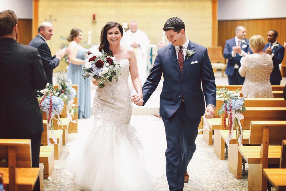 14-Minneapolis-Minnesota-Wedding-Photography-by-Vick-Photography-Our-Lady-of-the-Lake-Catholic-Church-Ceremony-Jana-and-Matt.jpg