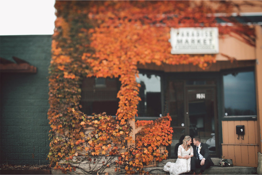 11-Shakopee-Minnesota-Wedding-Photography-by-Vick-Photography-Autumn-Fall-Leaves-Colors-Amber-and-Justin.jpg