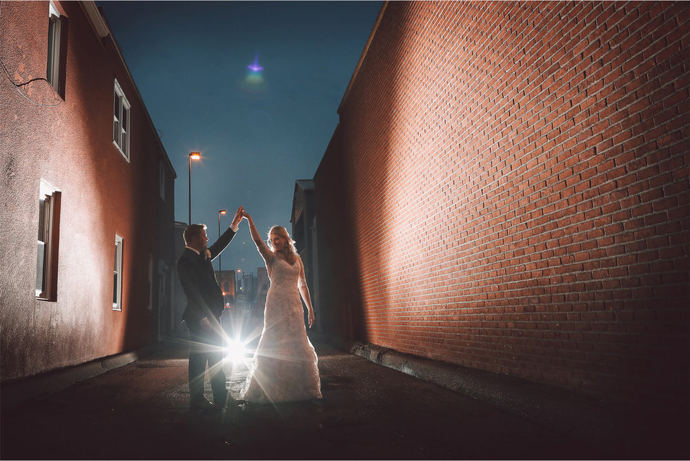 20-Shakopee-Minnesota-Wedding-Photography-by-Vick-Photography-Turtles-1890-Social-Centre-Night-Photography-Amber-and-Justin.jpg