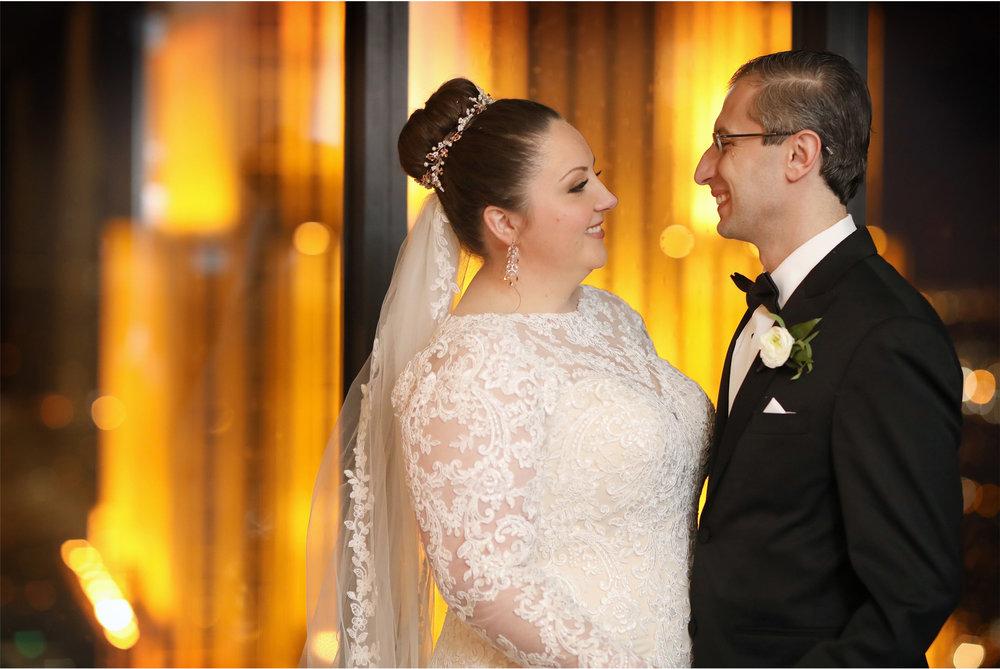 18-Minneapolis-Minnesota-Wedding-Photography-by-Vick-Photography-Downtown-Windows-on-Minnesota-Reception-Anja-and-Waseem.jpg