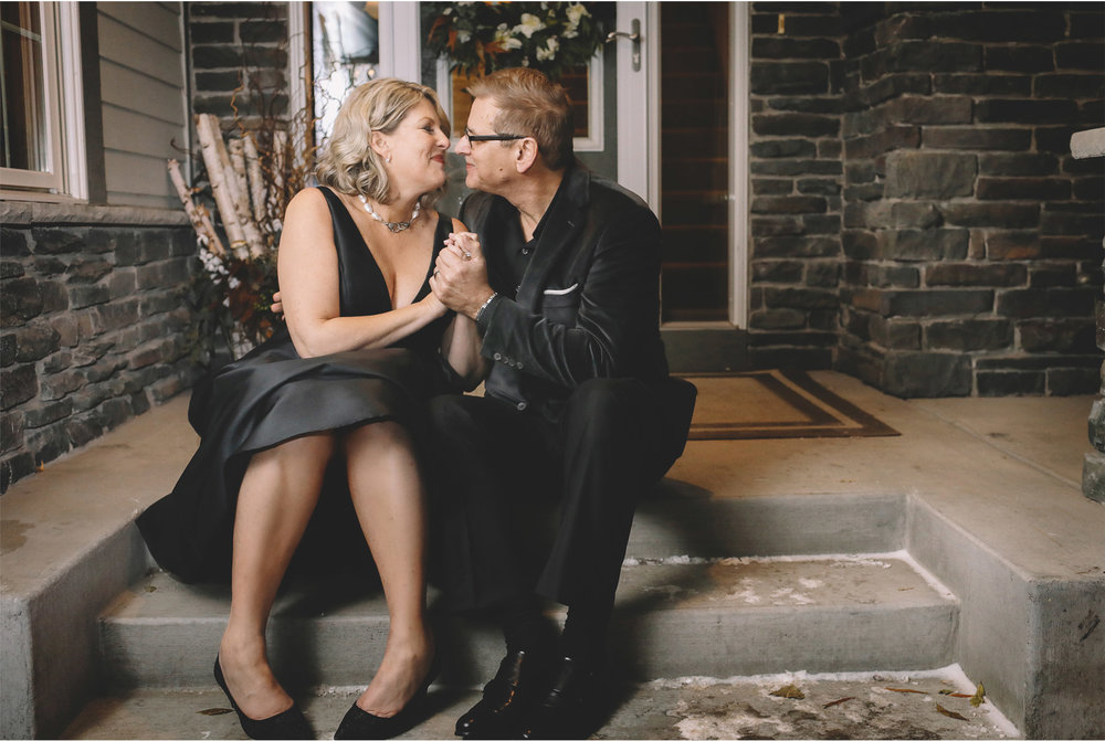 17-Minneapolis-Minnesota-Wedding-Photography-by-Vick-Photography-Home-Wedding-Bride-and-Groom-Front-Steps-Joan-and-Tim.jpg