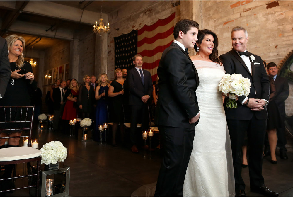 08-Minneapolis-Minnesota-Downtown-Aria-Industrial-Warehouse-Ceremony-Jennifer-and-Fred.jpg