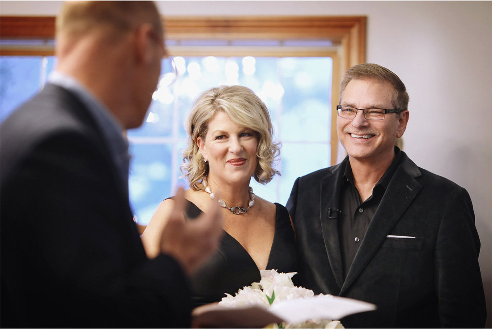 06-Minneapolis-Minnesota-Wedding-Photography-by-Vick-Photography-Home-Ceremony-Joan-and-Tim.jpg