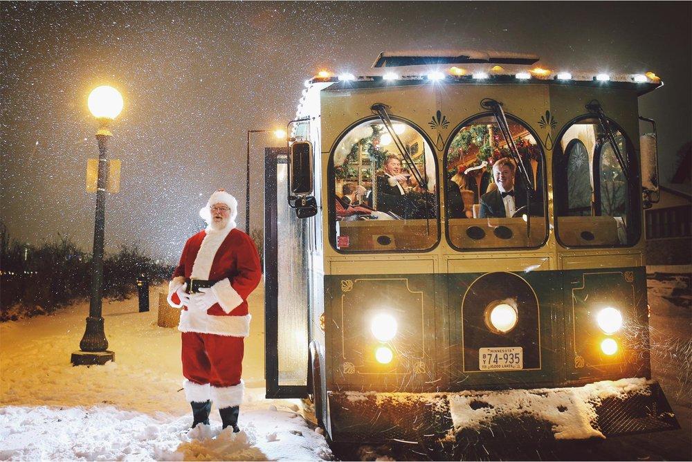 22-Saint-Paul-Minnesota-Wedding-Photography-by-Vick-Photography-Trolley-Snow-Storm-Santa-Winter-Wedding-Sami-and-Nick.jpg