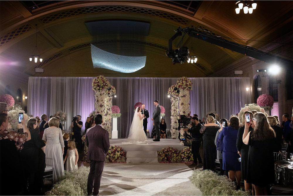 09-Saint-Paul-Minnesota-Wedding-by-Vick-Photography-Union-Depot-Lifetime-Network-David-Tutera-My-Great-Big-Live-Wedding-Ceremony-Jen-and-Rob.jpg