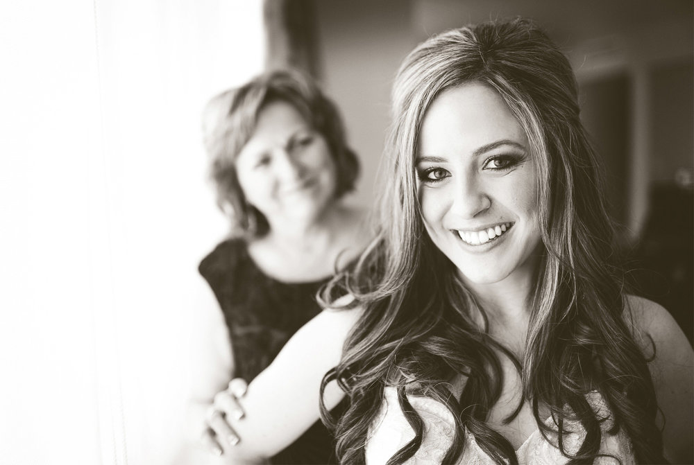 02-Minneapolis-Minnesota-Wedding-Photographer-by-Andrew-Vick-Photography-Summer-Edina-Westin-Hotel-Bride-Mother-Sepia-Bridal-Suite-Morning-Getting-Ready-Natalie-and-Andrew.jpg