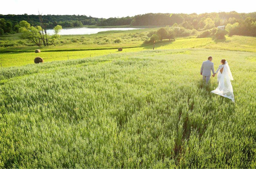 24-South-Haven-Minnesota-Wedding-Photographer-by-Andrew-Vick-Photography-Summer-Tomala-Farm-Field-Bride-Groom-Dress-Veil-Renee-and-Bobb.jpg