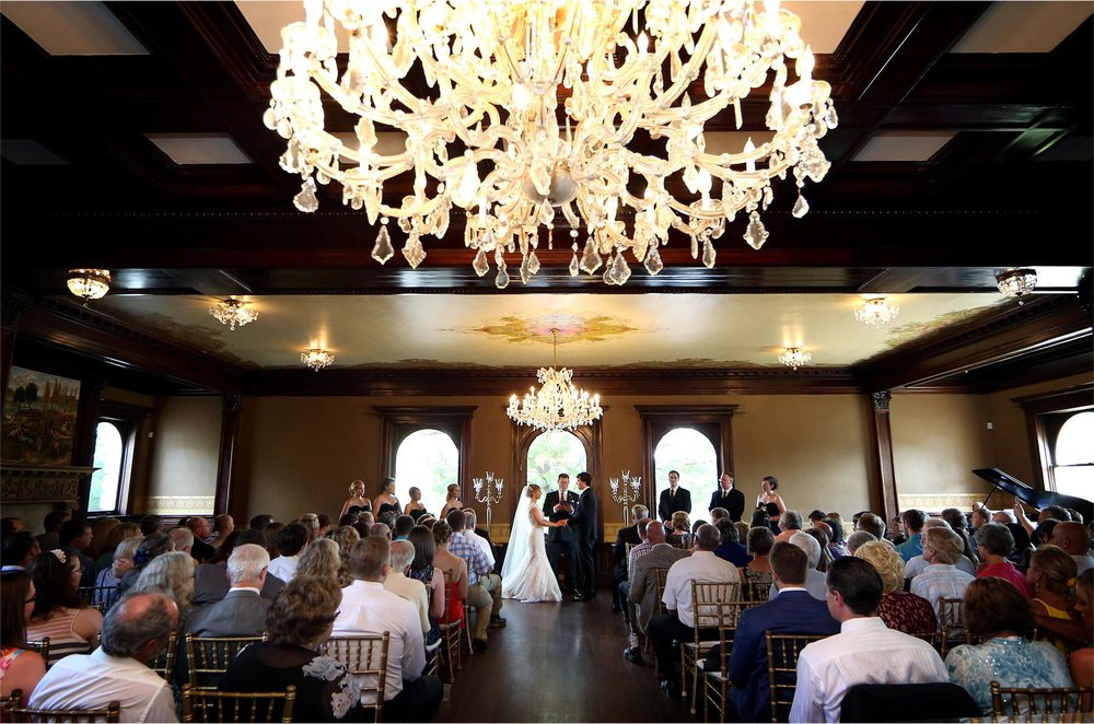 09-Minneapolis-Minnesota-Wedding-Photographer-by-Andrew-Vick-Photography-Summer-Semple-Mansion-Ceremony-Bride-Groom-Vows-Stephanie-and-Brady.jpg