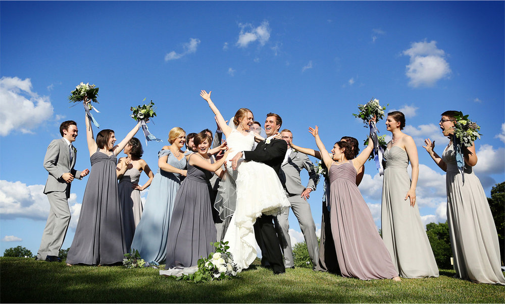 20-Edina-Minnesota-Wedding-Photographer-by-Andrew-Vick-Photography-Summer-Bride-Groom-Bridal-Party-Bridesmaids-Groomsmen-Excitement-Vintage-Betsy-and-Jon.jpg