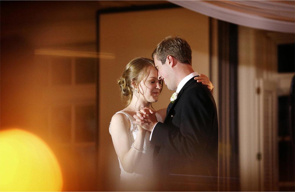 27-Edina-Minnesota-Wedding-Photographer-by-Andrew-Vick-Photography-Summer-Country-Club-Bride-Groom-Reception-Dance-Betsy-and-Jon.jpg
