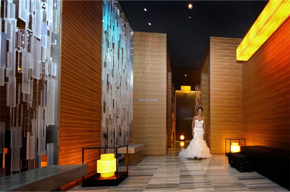 05-Minneapolis-Minnesota-Wedding-Photographer-by-Andrew-Vick-Photography-Summer-Loews-Hotel-Bride-First-Meeting-Look-Lindsay-and-Dustin.jpg