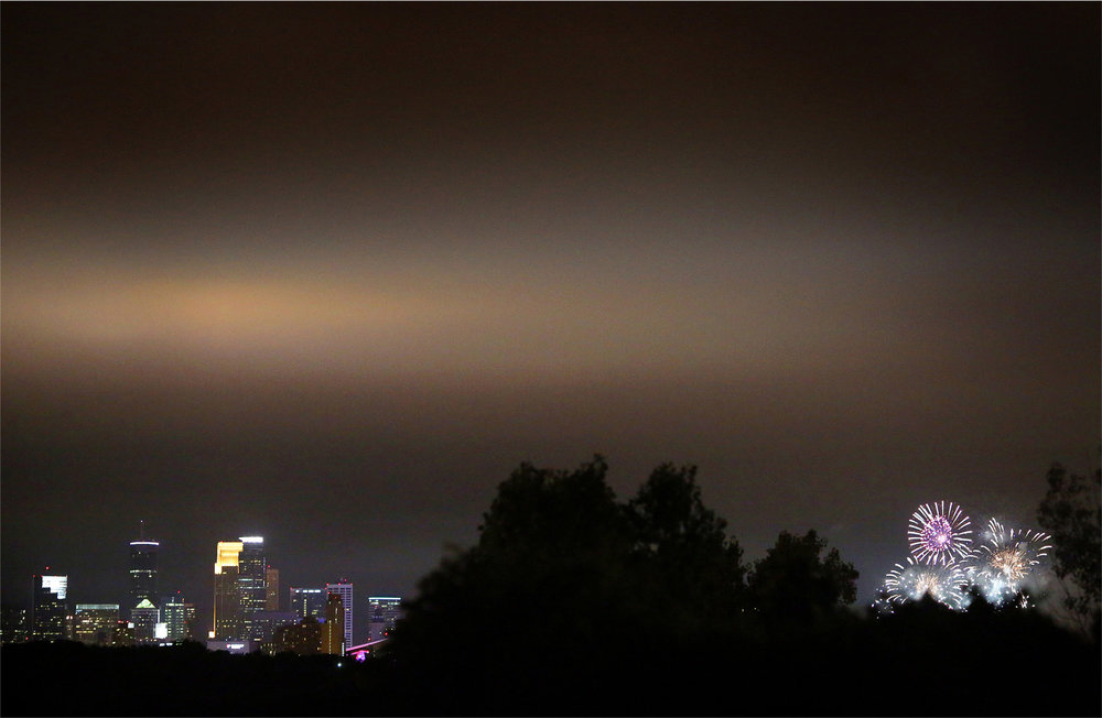 24-Saint-Paul-Minnesota-Wedding-Photographer-by-Andrew-Vick-Photography-Summer-Town-and-Country-Club-Minneapolis-Skyline-Night-Fireworks-Lindsay-and-Dustin.jpg