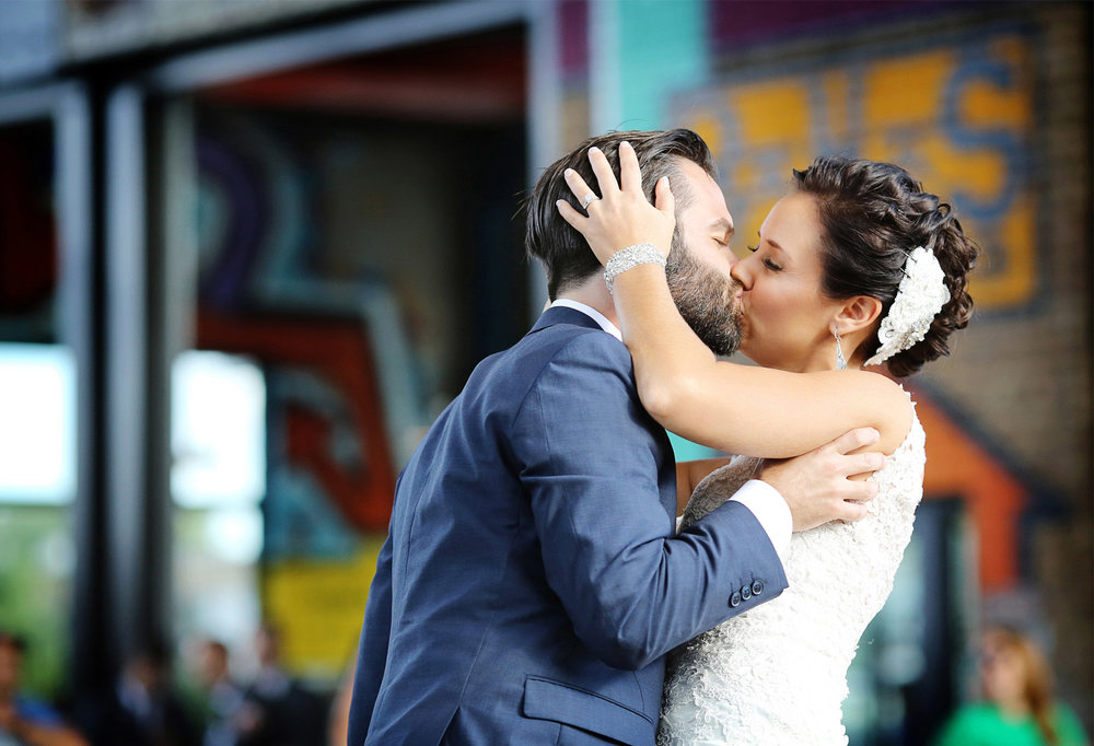 19-Minneapolis-Minnesota-Wedding-Photographer-by-Andrew-Vick-Photography-Summer-Bauhaus-Brew-Labs-Brewery-Bride-Groom-Beer-Kiss-Ashley-and-Eric.jpg