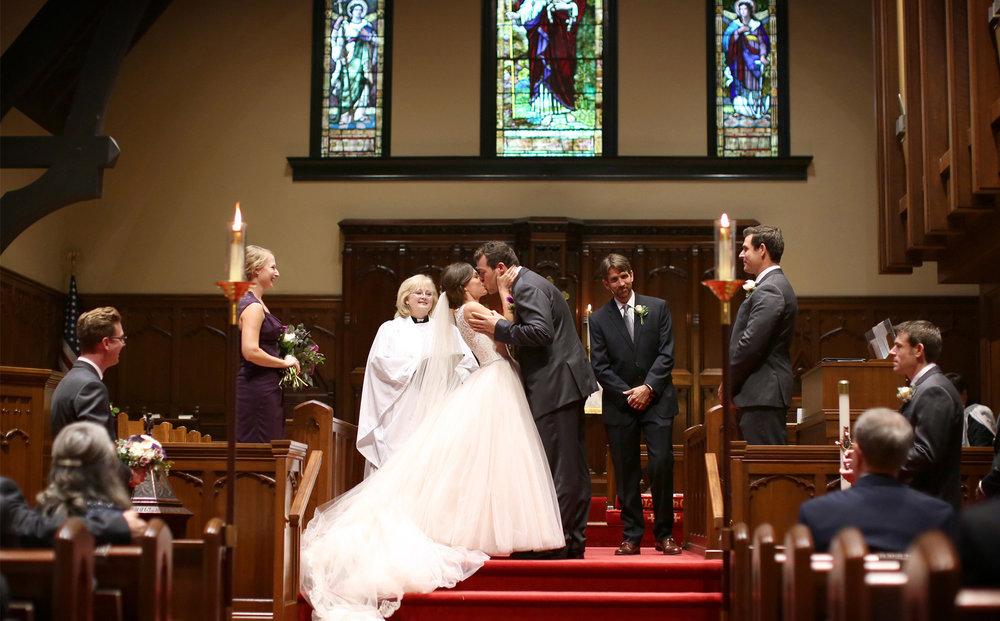 13-Bowling-Green-Kentucky-Wedding-Photographer-by-Andrew-Vick-Photography-Destination-Summer-Christ-Episcopal-Church-Ceremony-Bride-Groom-Kiss-Katie-and-Jon.jpg