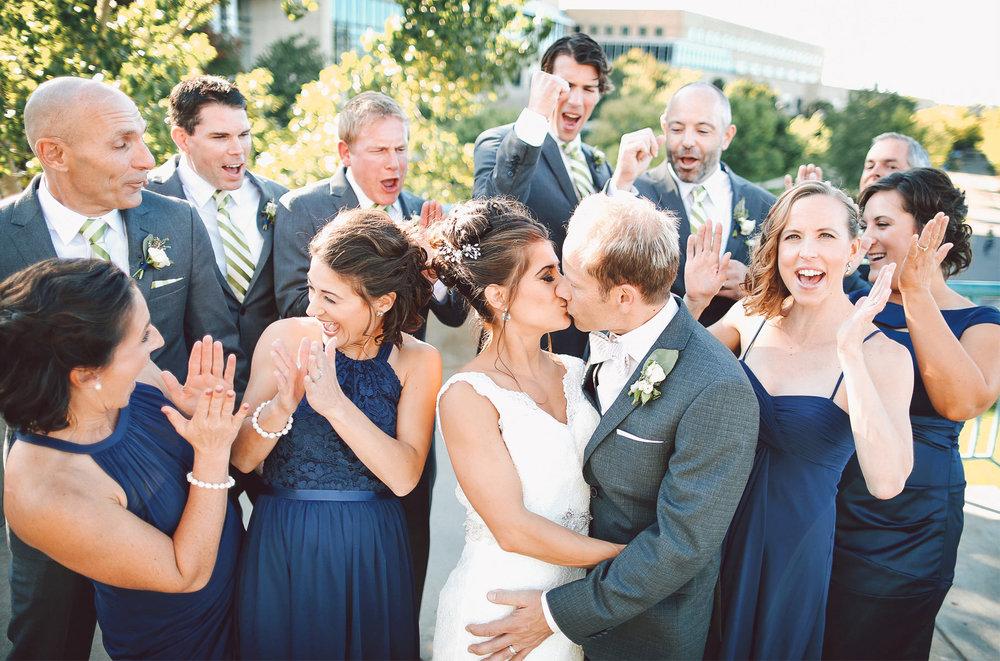 13-Minneapolis-Minnesota-Wedding-Photographer-by-Andrew-Vick-Photography-Fall-Autumn-Bride-Groom-Bridal-Party-Groomsmen-Bridesmaids-Vintage-Paula-and-Jason.jpg