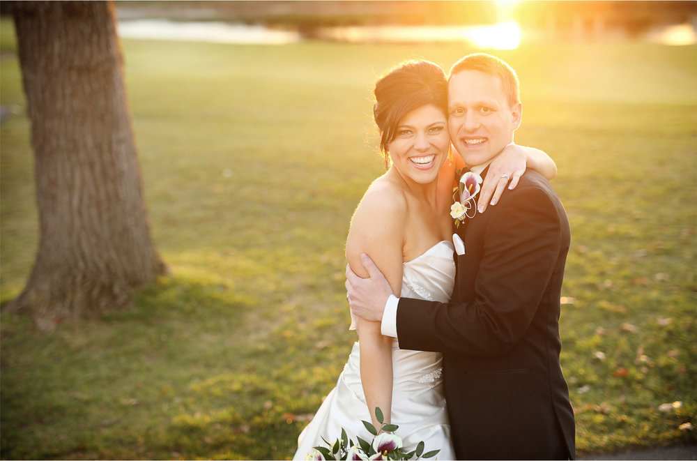 20-Eden-Prairie-Minnesota-Wedding-Photographer-by-Andrew-Vick-Photography-Fall-Autumn-Bearpath-Golf-Country-Club-Bride-Groom-Course-Sunset-Brittany-and-Ryan.jpg
