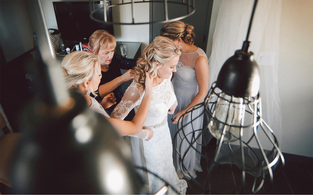 01-Minneapolis-Minnesota-Wedding-Photographer-by-Andrew-Vick-Photography-Winter-Graduate-Commons-Hotel-Getting-Ready-Bride-Mother-Parents-Bridesmaids-Dress-Brittany-and-Joseph.jpg