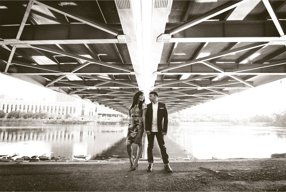 11-Minneapolis-Minnesota-Wedding-Photographer-by-Andrew-Vick-Photography-Summber-Engagement-Bride-Groom-Hennepin-Avenue-Bridge-Mississippi-River-Black-and-White-Natasha-and-Sohail.jpg