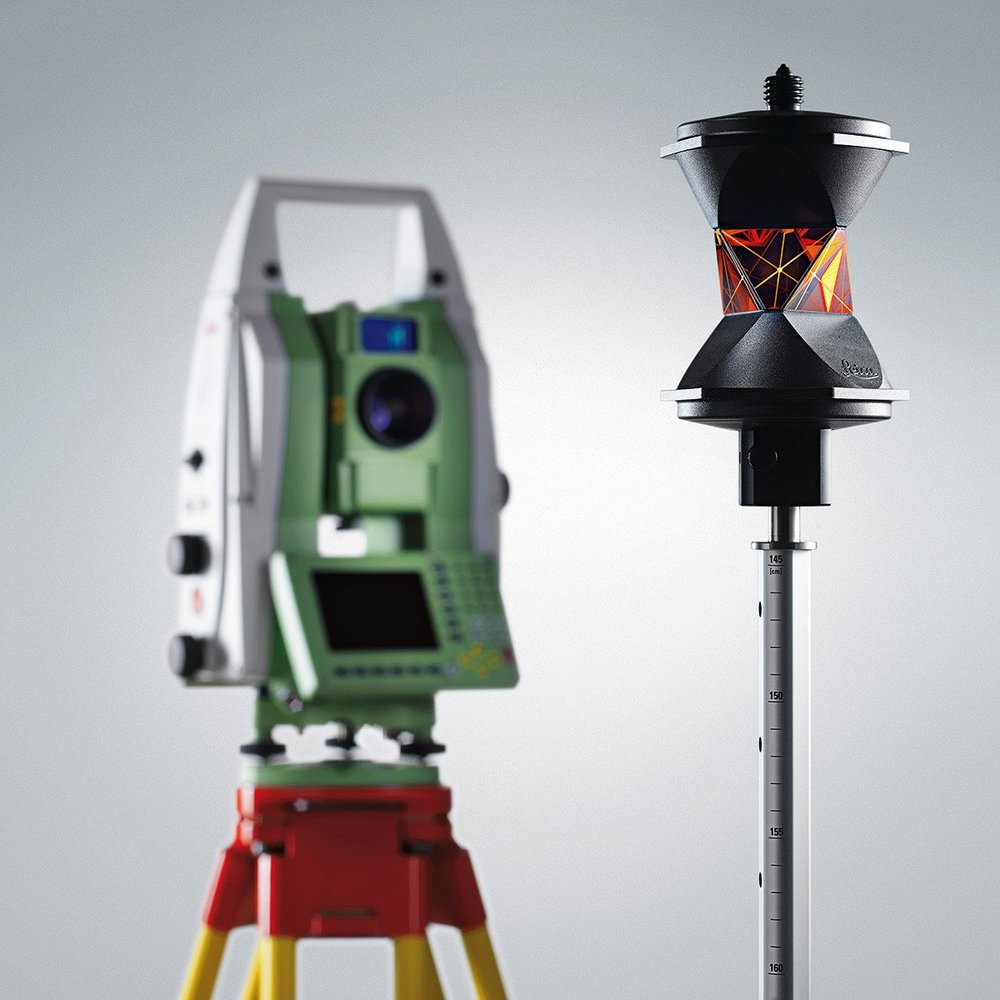 prism-Leica-GRZ122-with-instrument.jpg