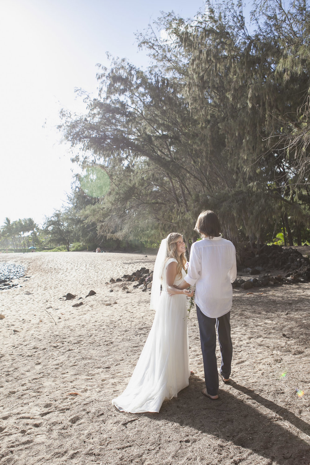 031_Laid_Back_Hawaiian_Beach_Wedding.jpg