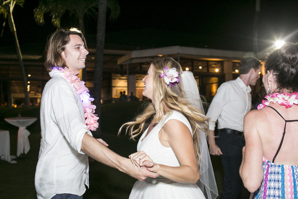 051_Laid_Back_Hawaiian_Beach_Wedding.jpg