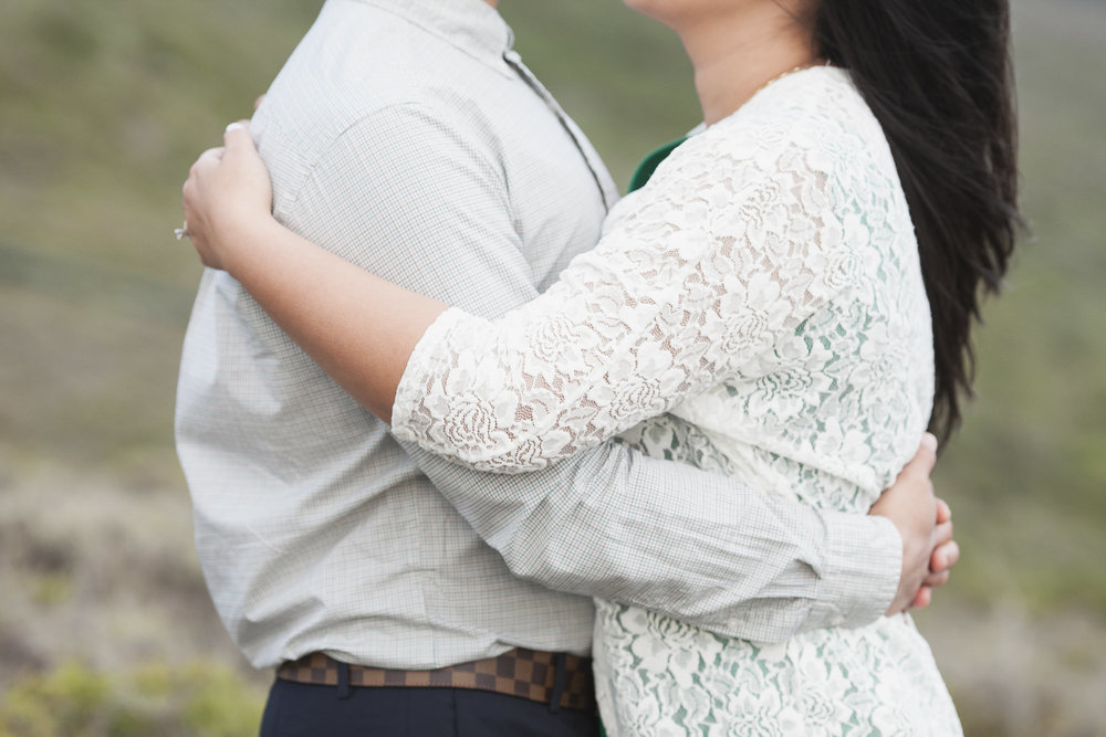 030_Marin_Headlands_Engagement_Hug.jpg