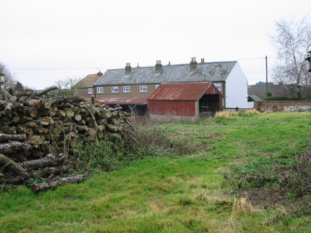 Farm_log_supply,_Upper_Goldstone_-_geograph.org.uk_-_645836