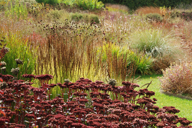 Autumnal-planting-at-Hauser-Wirth-Lisa-Cox-Designs