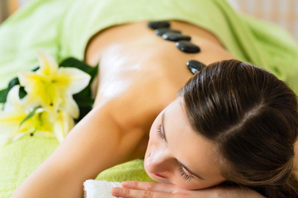 hot-stone-massage (2).jpg