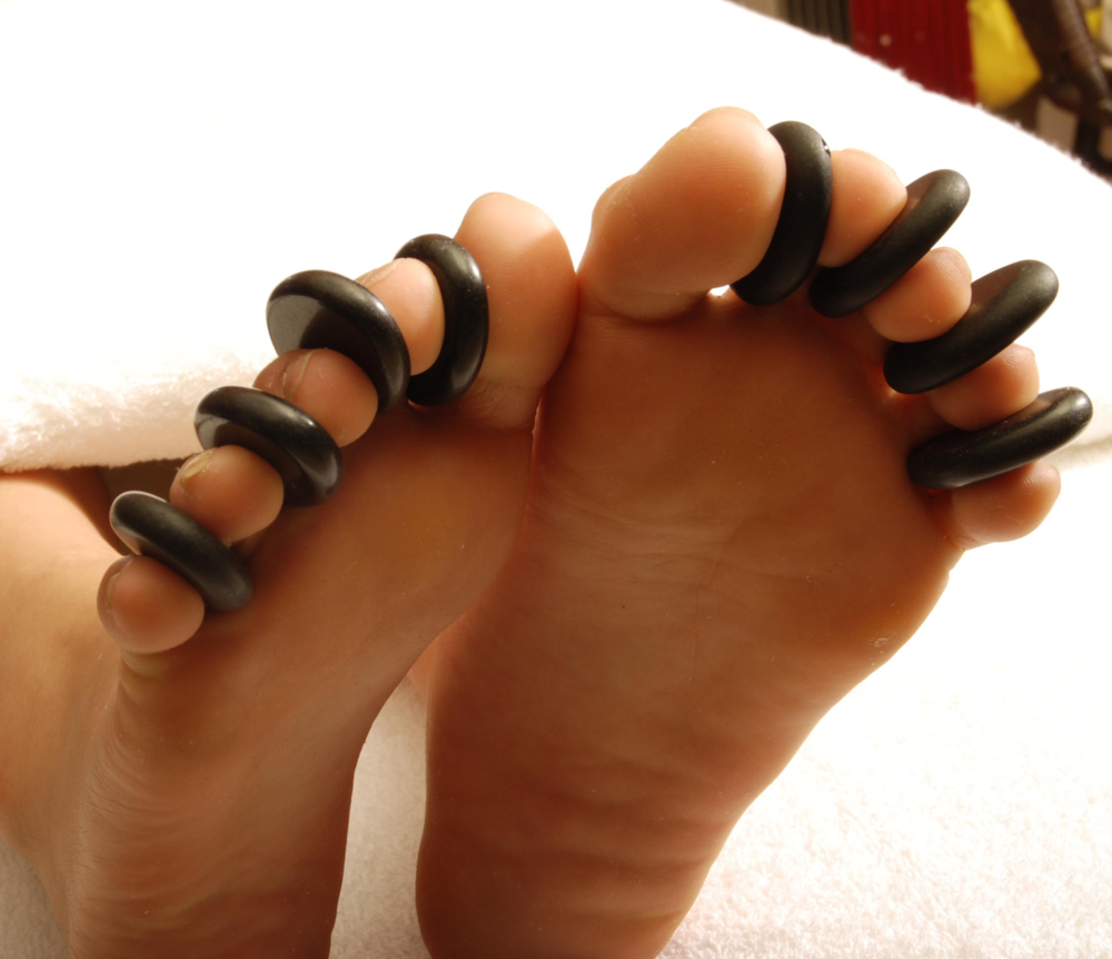 hotstones toes.png