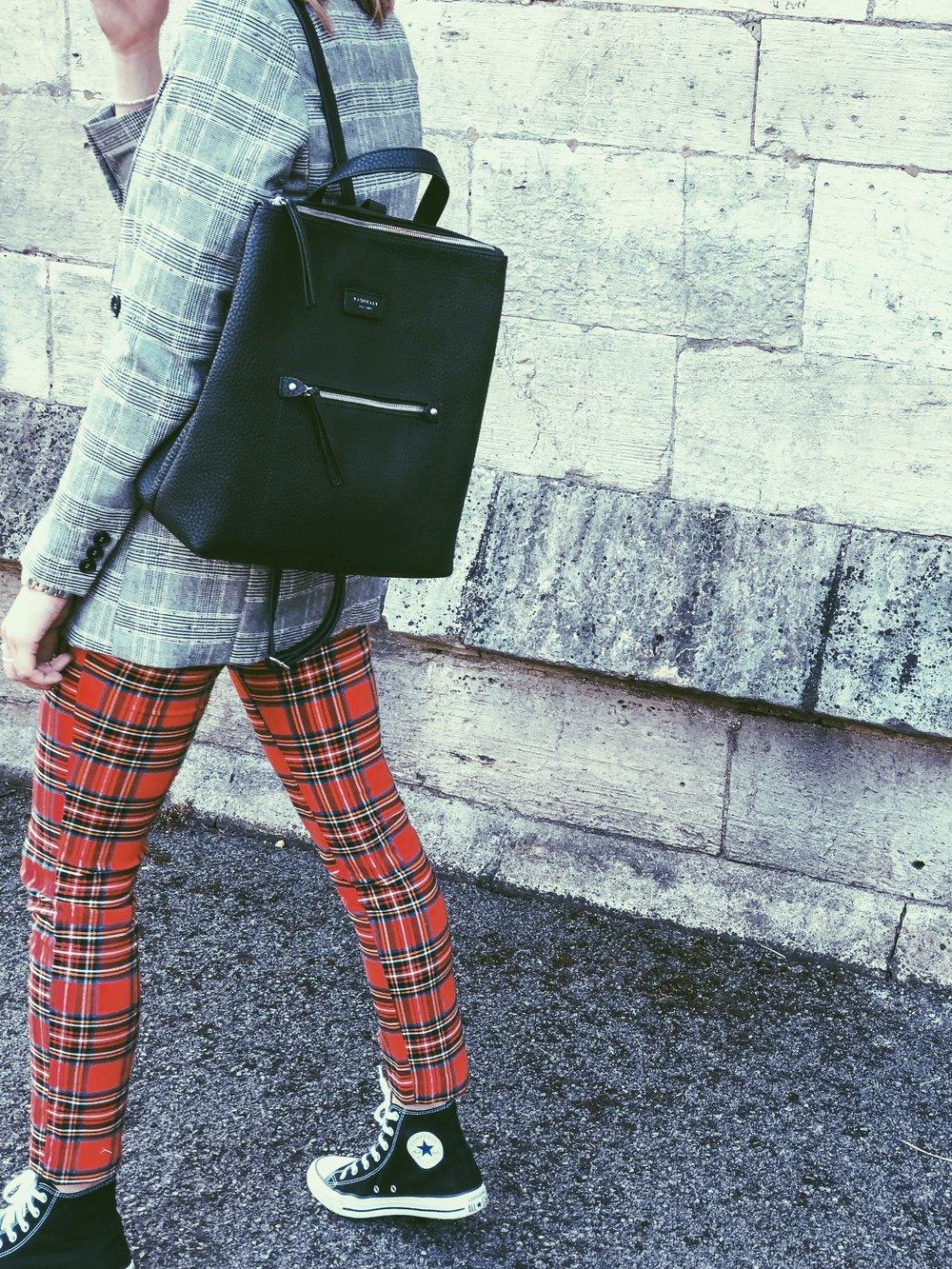 Blazer: H&M, Trouser: H&M, Bag: Fiorelli, Trainer: Converse