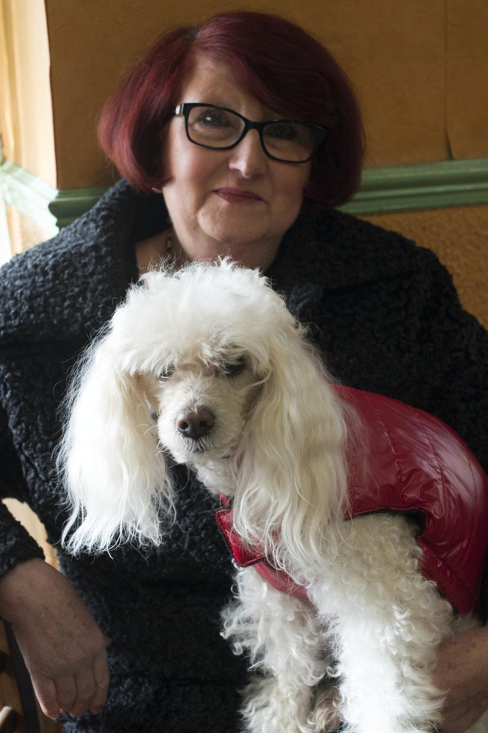 Sévérac le Château la femme et son chien : 6.JPG