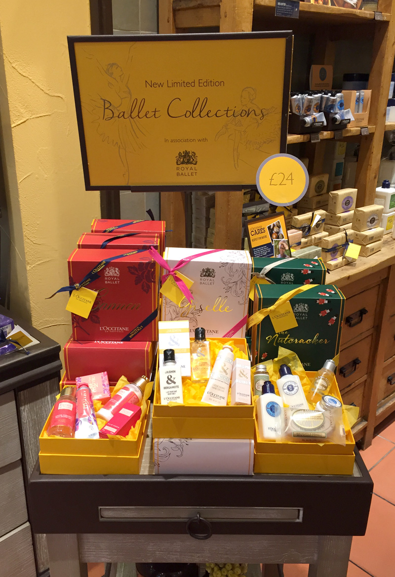 ROH-Ballet-Boxes-2015_Instore1.jpg