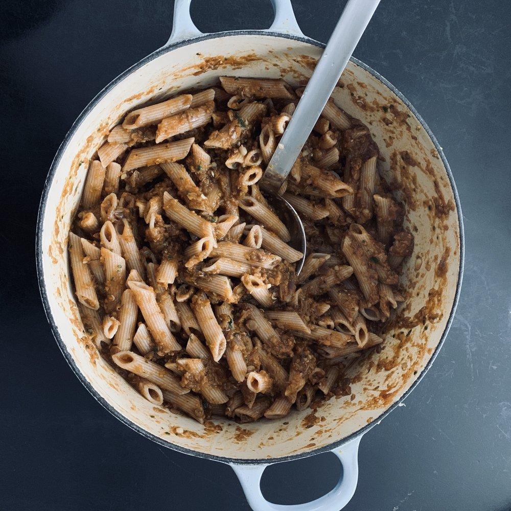 Fullkornspasta med kjøttfri kjøttsaus. Nam!
