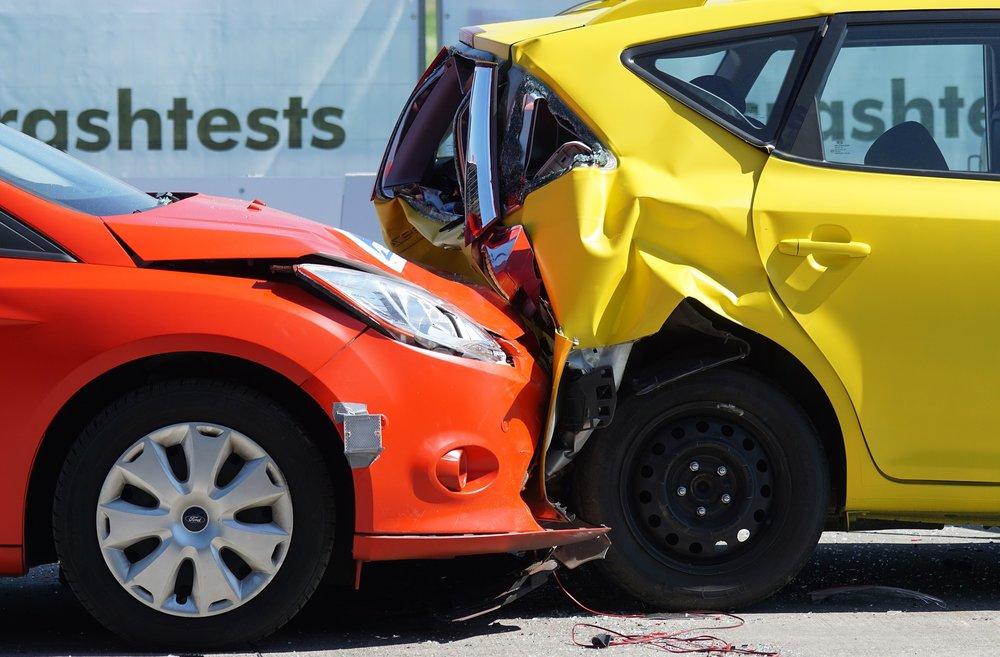 Bilskade!   Sunnmøre Skadesenter hjelper deg!   Bestill verkstedstime