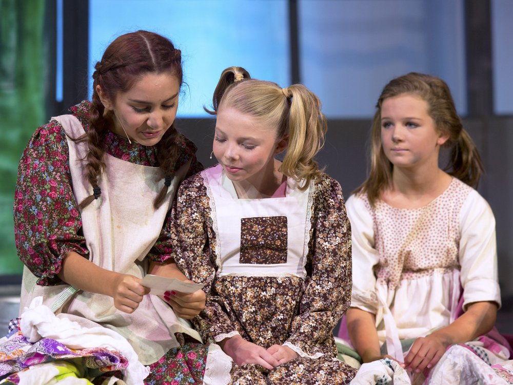 Annie comes to life on the Briley Auditorium stage — Neuse News